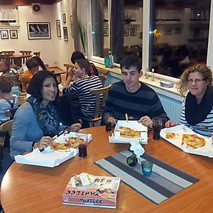 2013, Pizza-Schmaus nach Opti-Bootspflege
